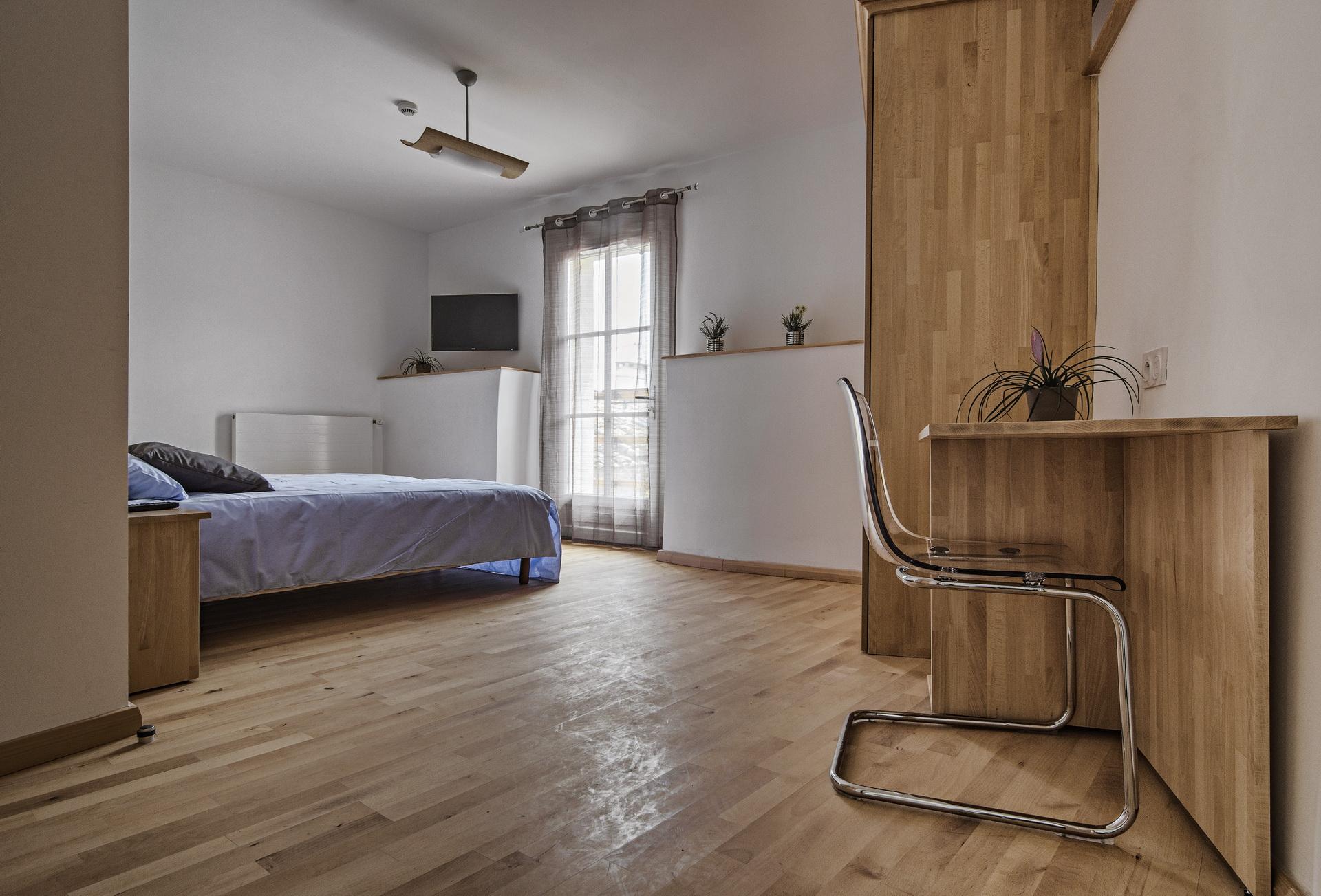 h tel saint michel l 39 observatoire en provence pr s de forcalquier. Black Bedroom Furniture Sets. Home Design Ideas